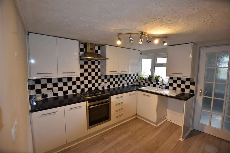 2 Bedrooms Terraced House for rent in Dunmow Road, Bishop's Stortford