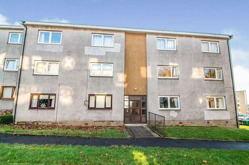 2 Bedrooms Flat for rent in Earn Crescent, Dundee, DD2