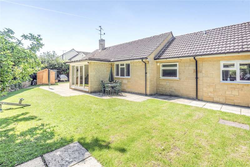 3 Bedrooms Detached Bungalow for sale in Cricklade Street, Poulton, Cirencester, GL7