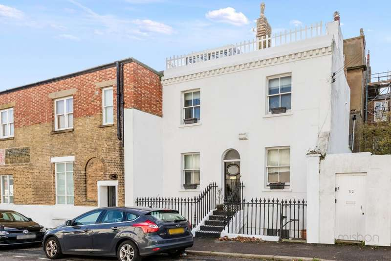 4 Bedrooms Semi Detached House for sale in Bristol Gardens, Brighton, East Sussex, BN2