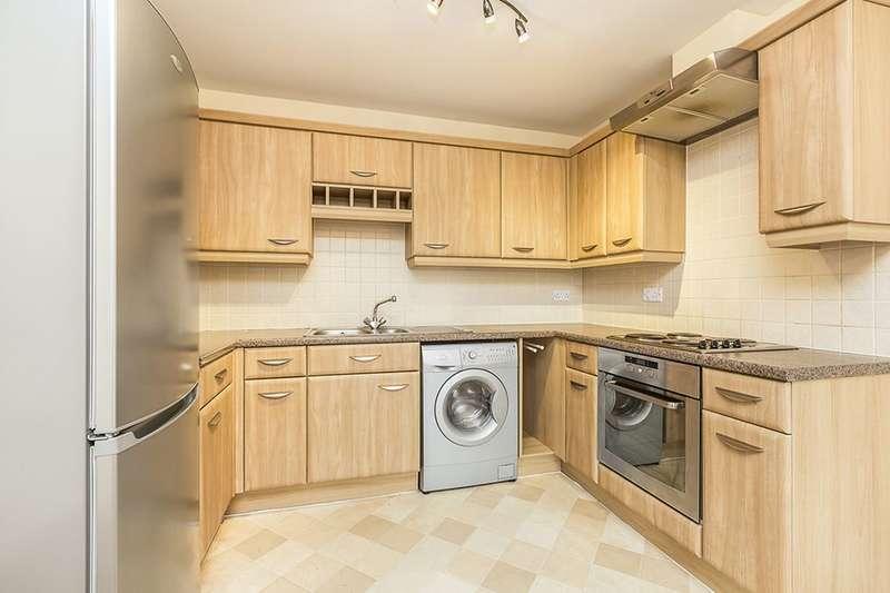 2 Bedrooms Flat for rent in Weavers Court, Buckshaw Village, Chorley, PR7