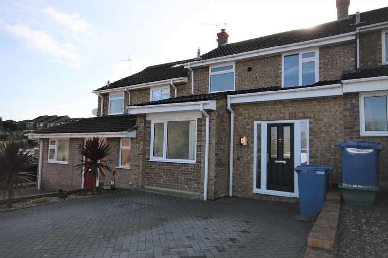 3 Bedrooms Terraced House for rent in Cornfields, Yateley