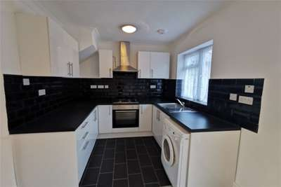 3 Bedrooms House for rent in Rainham Road