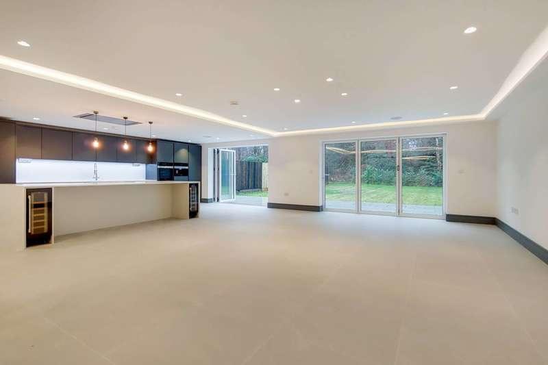 6 Bedrooms Detached House for sale in Grange Gardens, Farnham Common, SL2