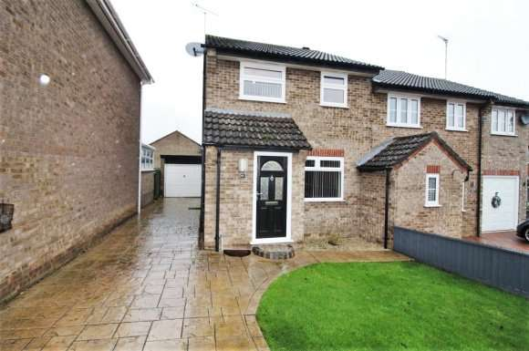 3 Bedrooms Property for rent in Melford Road