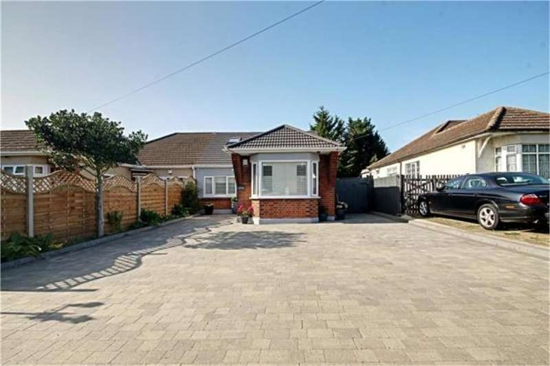 6 Bedrooms Semi Detached Bungalow for sale in Pick Hill, Waltham Abbey, Essex
