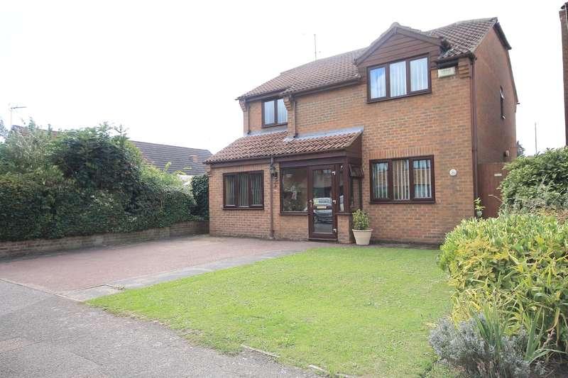 4 Bedrooms Detached House for sale in Frognal Gardens, Teynham, Sittingbourne