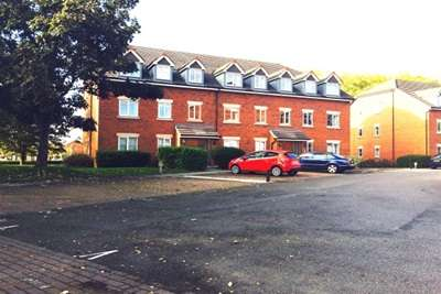 2 Bedrooms Flat for rent in Wycliffe Court, Chester