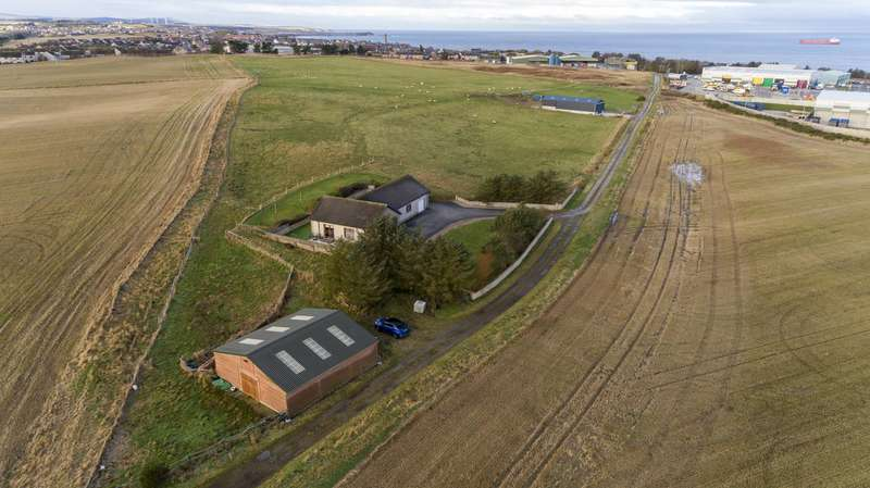 3 Bedrooms Bungalow for sale in Old Gamrie Road, Macduff, Aberdeenshire, AB44 1QD