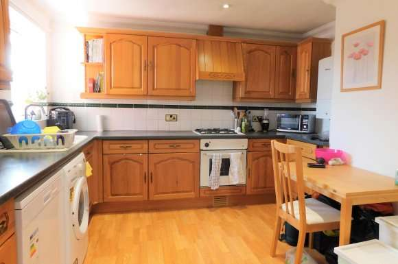 2 Bedrooms Flat for rent in St Augustine Mews, Colchester