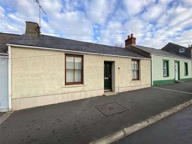 3 Bedrooms Terraced House for rent in High Street, Pembroke Dock, Pembrokeshire