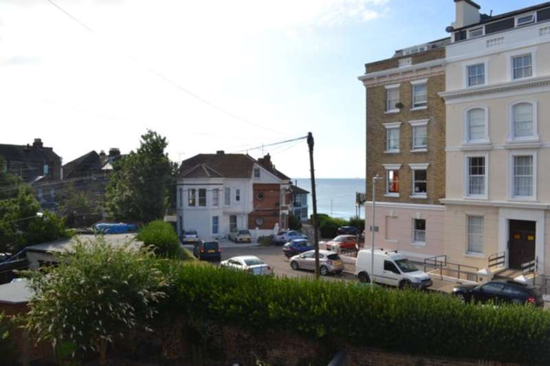 2 Bedrooms Flat for rent in Canterbury Road, Margate, CT9