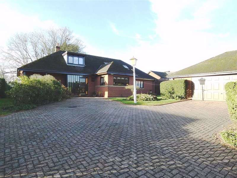 4 Bedrooms Detached Bungalow for sale in Burrowbeck Copse, Collingham Park, Lancaster, LA1