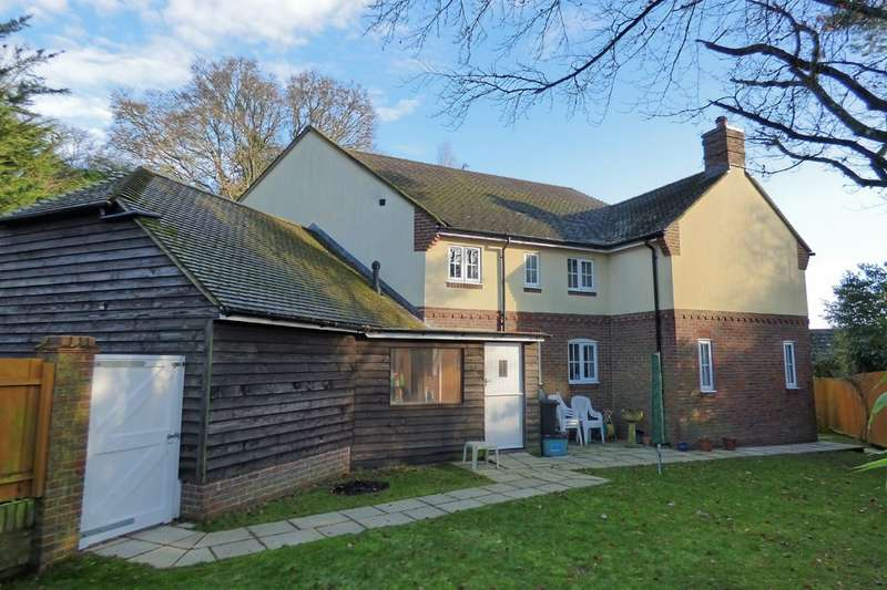 4 Bedrooms Detached House for sale in Middlehill Road, Wimborne
