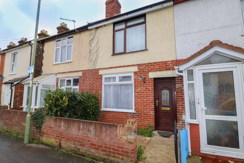 3 Bedrooms Terraced House for rent in Gordon Road, Fareham