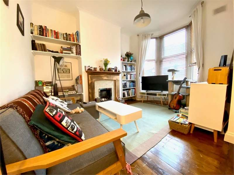 2 Bedrooms Ground Maisonette Flat for sale in South Woodford