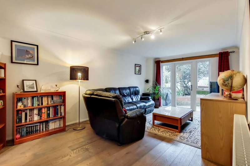 3 Bedrooms Flat for sale in Ascalon Street, Nine Elms, SW8