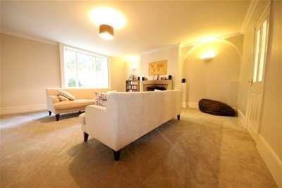 1 Bedroom Flat for rent in Epsom, Surrey, KT17