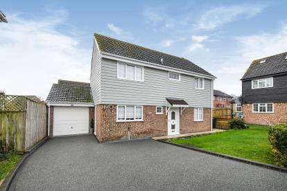 4 Bedrooms Detached House for sale in Chelmsford, Essex, .