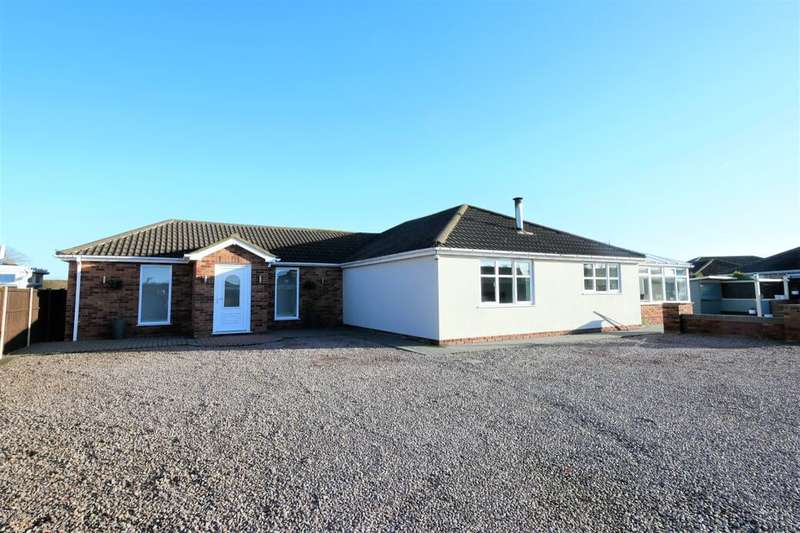 4 Bedrooms Detached Bungalow for sale in Parkinsons Way, Trusthorpe, Mablethorpe, LN12
