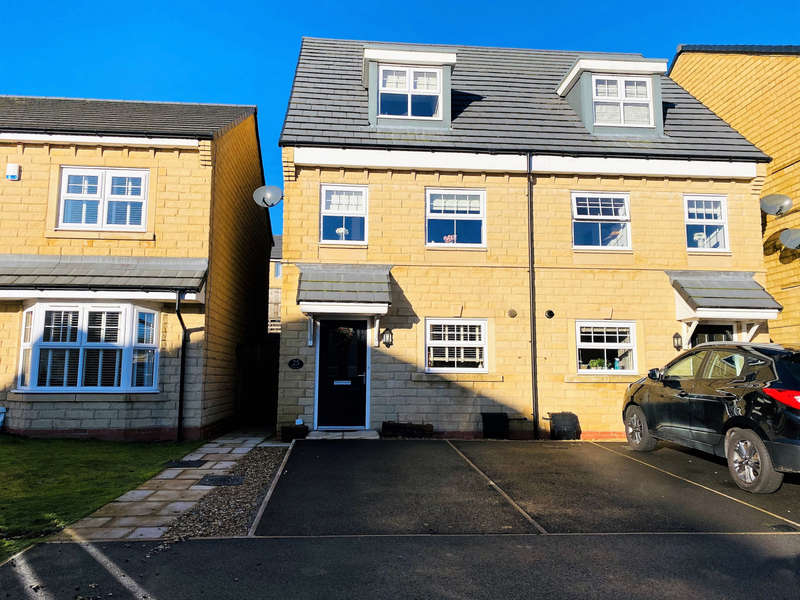 3 Bedrooms Town House for rent in Rossendale, BB4Ward Way, Rossendale, BB4
