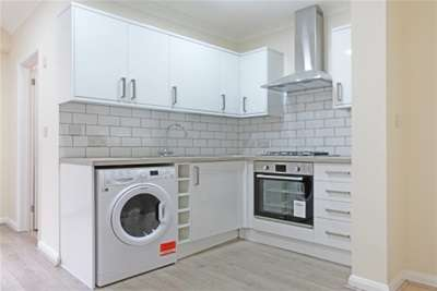 1 Bedroom Maisonette Flat for rent in **Available With Zero Deposit** Wey Hill, Haslemere