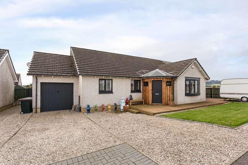 4 Bedrooms Bungalow for sale in Hatchbank Road, Gairney Bank, Kinross, KY13 9JY