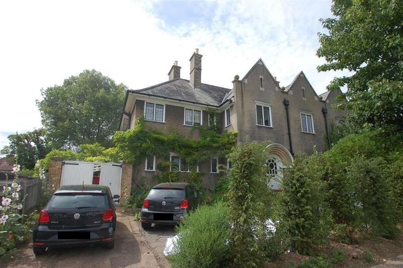 5 Bedrooms Semi Detached House for sale in Manor Road, Barnet