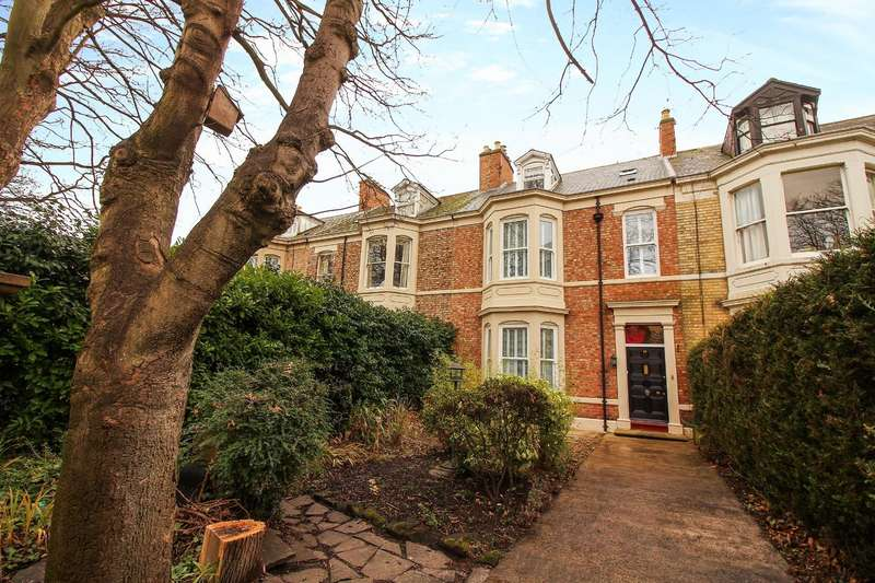 4 Bedrooms Terraced House for sale in Alma Place, North Shields