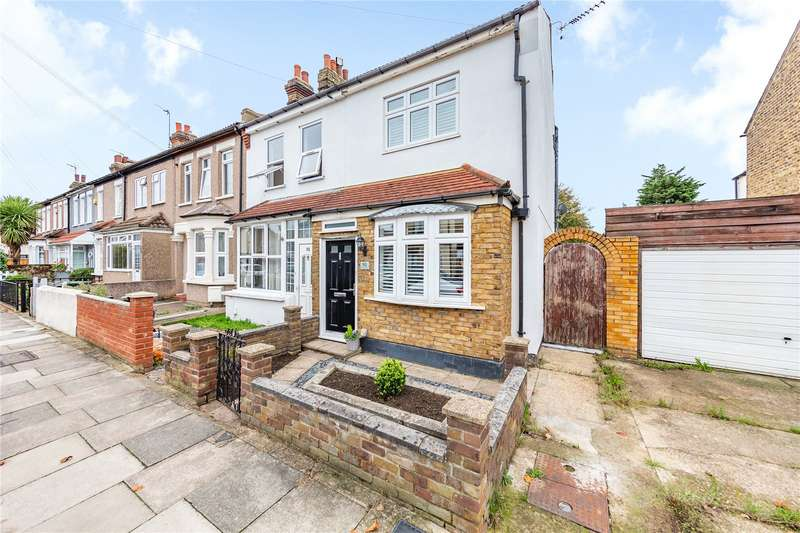 4 Bedrooms End Of Terrace House for sale in Pretoria Road, Romford, RM7