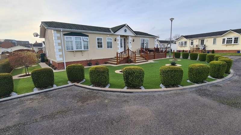 2 Bedrooms Detached Bungalow for sale in Chilton Park, Bridgwater