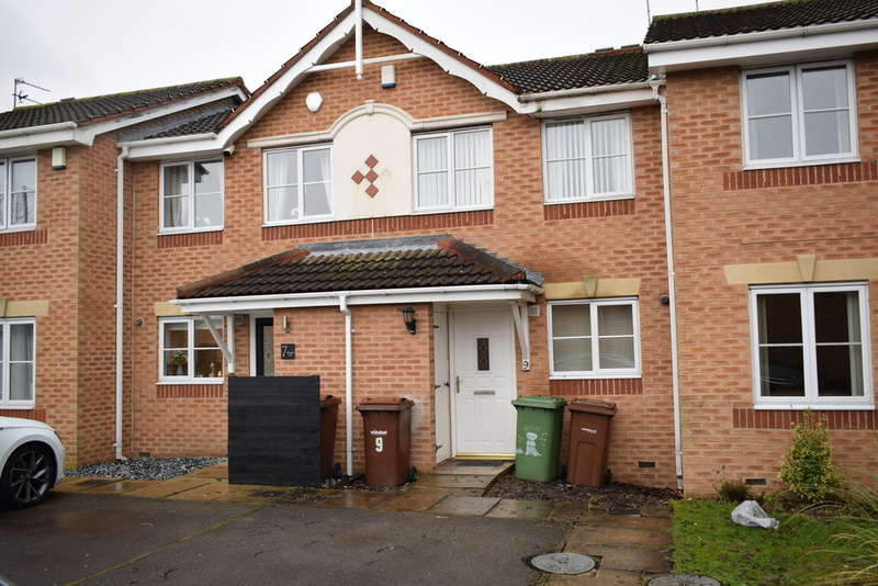 2 Bedrooms Town House for rent in Kirkcaldy Fold, Normanton