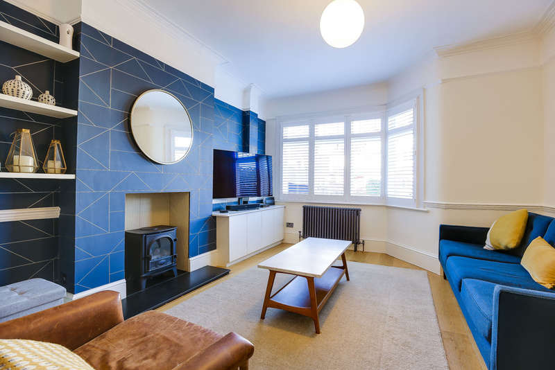 4 Bedrooms End Of Terrace House for sale in Rectory Gardens, London