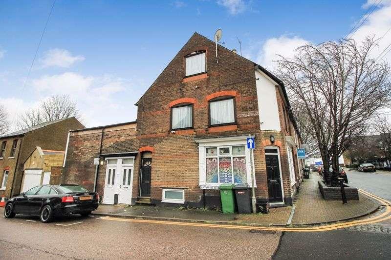 Property for rent in Hibbert Street, Luton