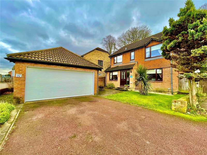 4 Bedrooms Detached House for sale in Claydon Drive, Croydon