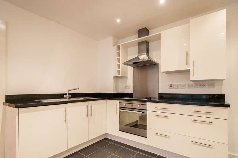 2 Bedrooms Flat for rent in New Rowley Road, Dudley DY2 8AN