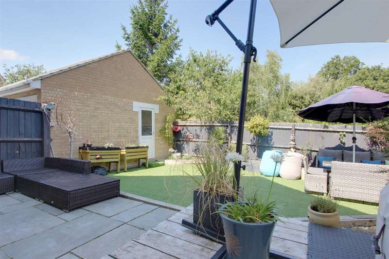 4 Bedrooms Link Detached House for sale in Whitehill Lane, Castlemead Village