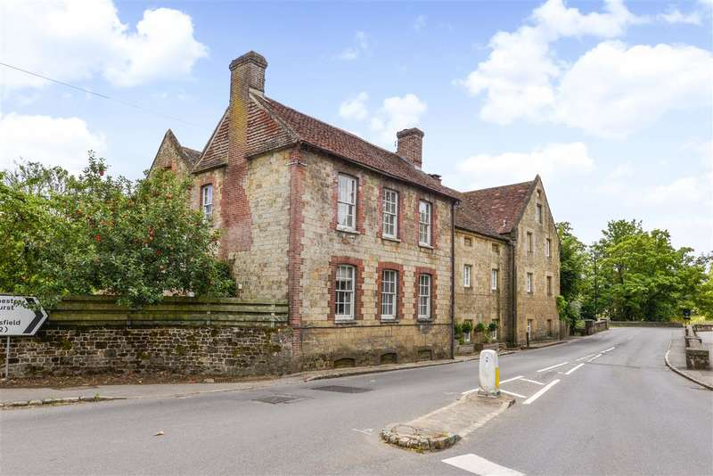 2 Bedrooms House for sale in Edge of Cowdray Park, Midhurst