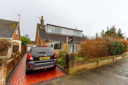 4 Bedrooms Bungalow for sale in Chaucer Avenue, Thornton-Cleveleys, Lancashire, ., FY5