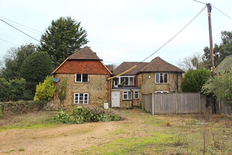 5 Bedrooms Property for sale in No Onward Chain - Crabtree Lane, Headley