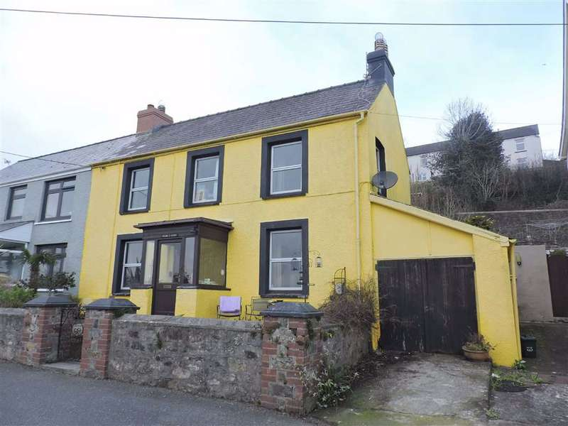 3 Bedrooms Semi Detached House for sale in Glanymor Road, Goodwick