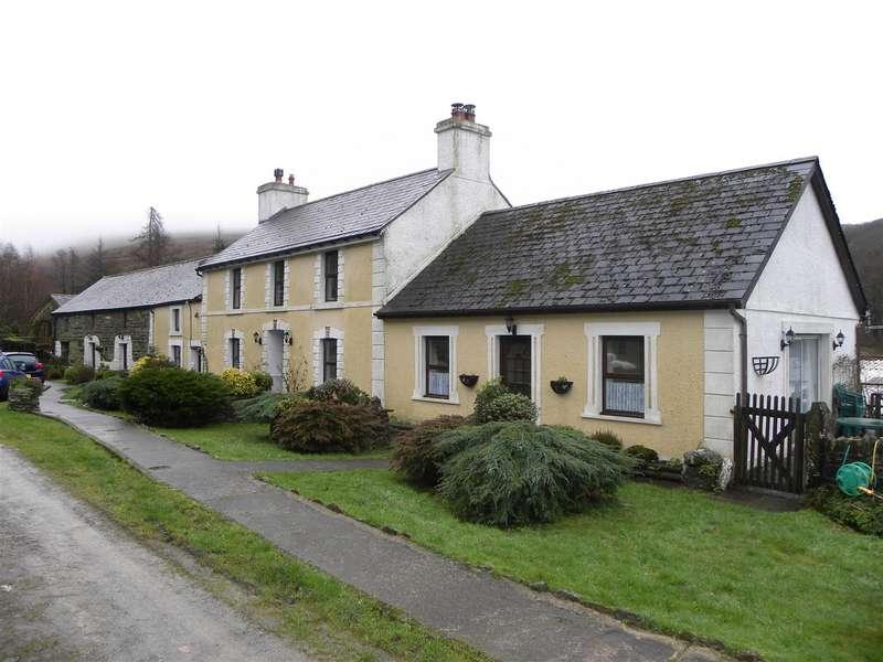 Property for sale in Llanllwni, Llanybydder