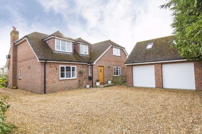 4 Bedrooms Property for sale in Court Farm Road, Longwell Green