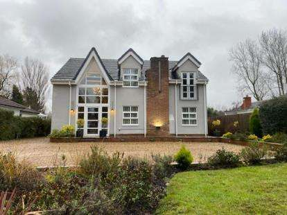 4 Bedrooms Detached House for sale in Middle Drive, Darras Hall, Ponteland, Northumberland, NE20