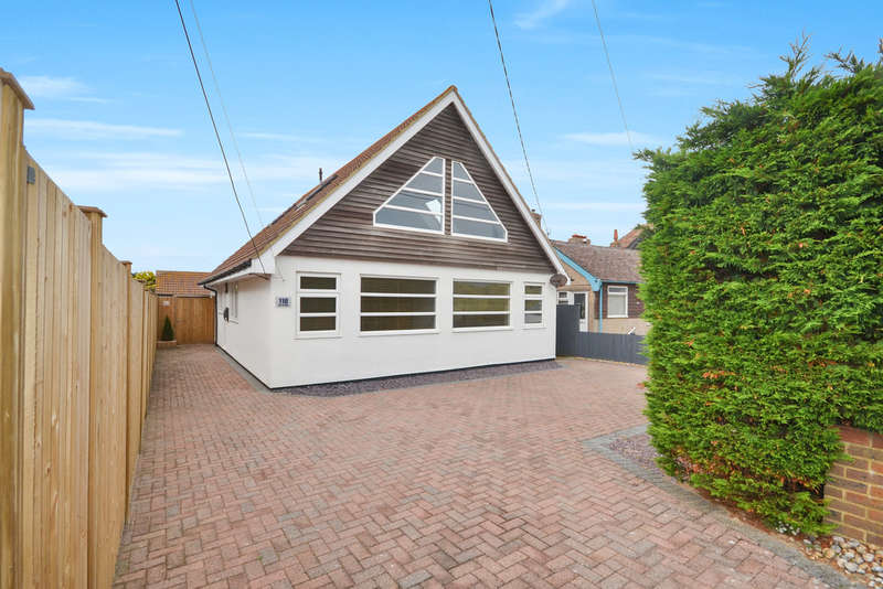 5 Bedrooms Detached House for sale in The Parade, Greatstone