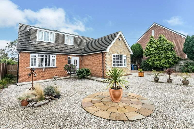 3 Bedrooms Detached House for sale in North Road, Barnsley, South Yorkshire, S71