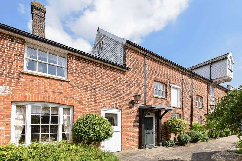 3 Bedrooms Property for sale in Frosts Mill, North Mill Place, Mill Chase, Halstead