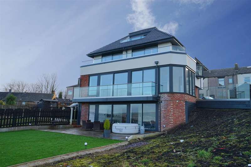 5 Bedrooms Detached House for sale in Metcalfs Yard, Blackrod, Bolton