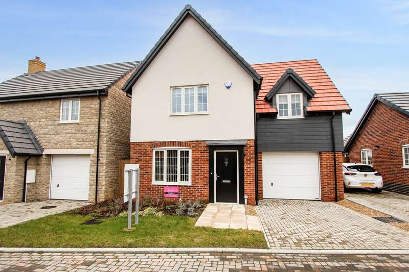 3 Bedrooms Detached House for sale in Sharpe Close, Carlton, Bedford, MK43