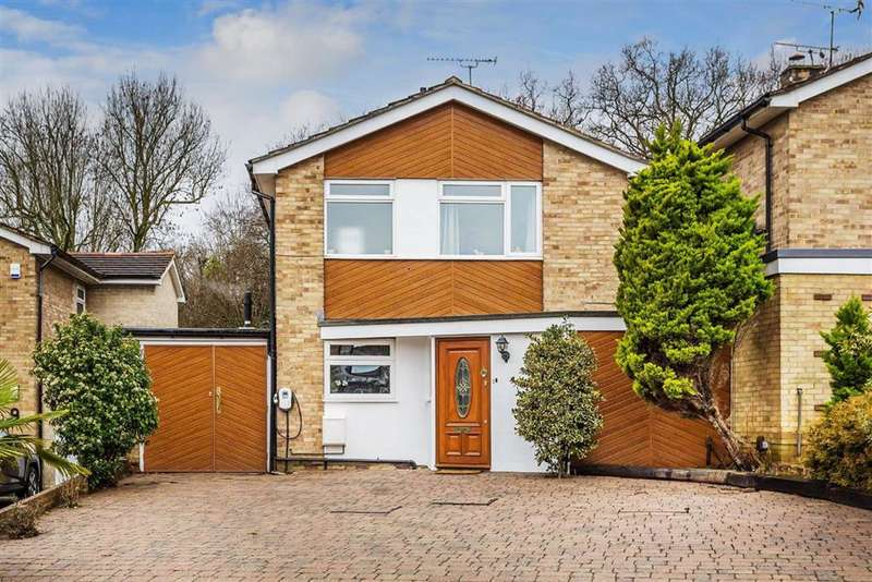 3 Bedrooms Detached House for sale in Silkham Road, Oxted, Surrey